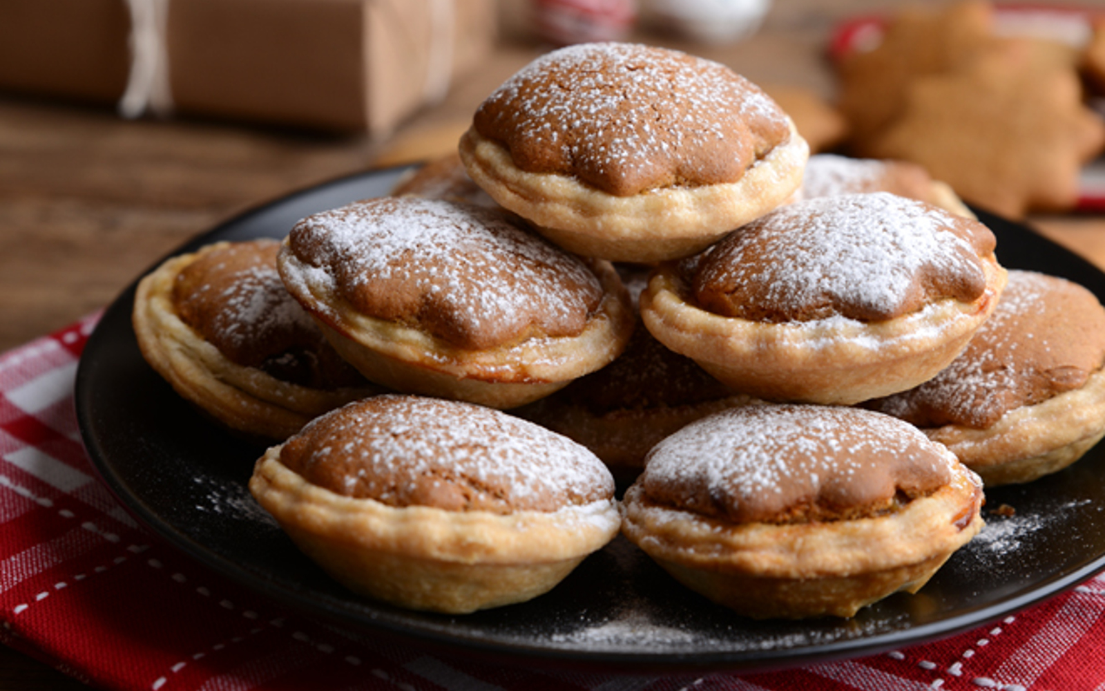 Gingerbread Mince Pies