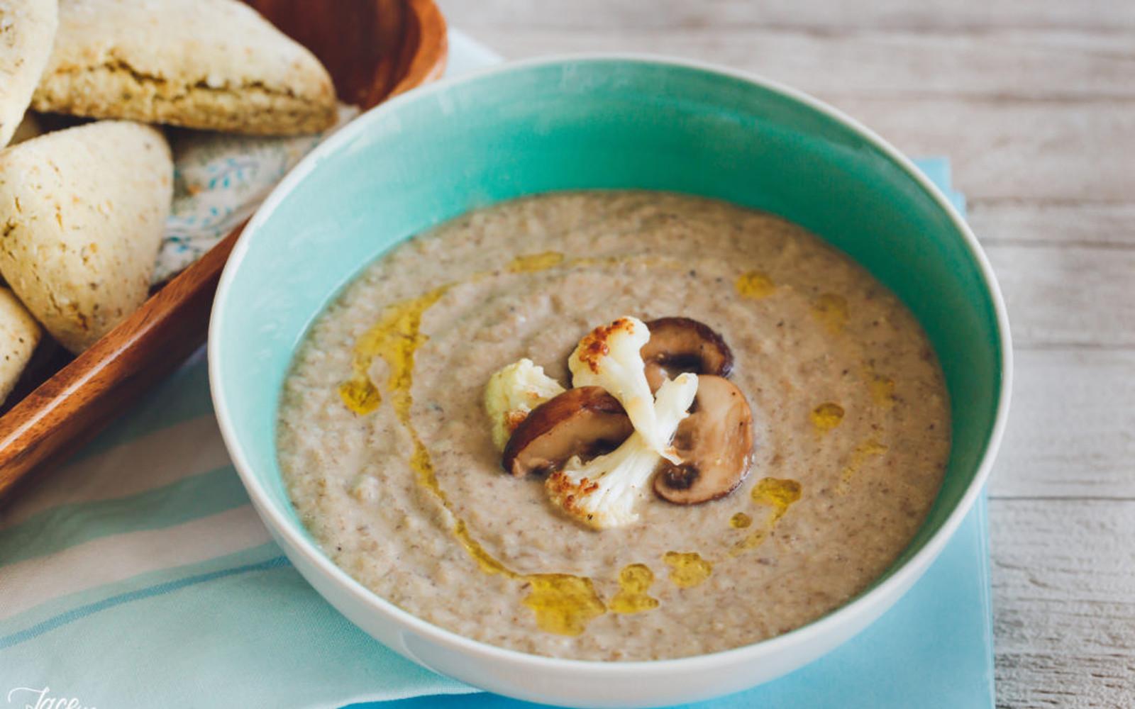 Oven Roasted Mushroom and Cauliflower Soup