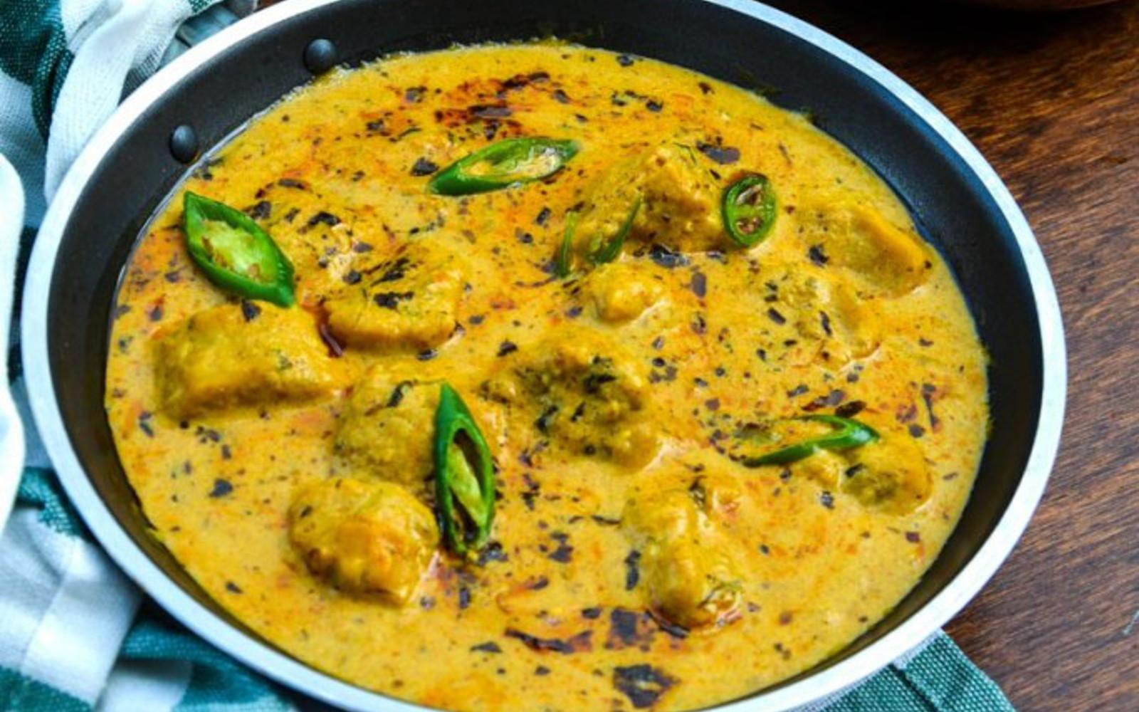 Besan Gatte Ki Sabzi/Gatta Curry