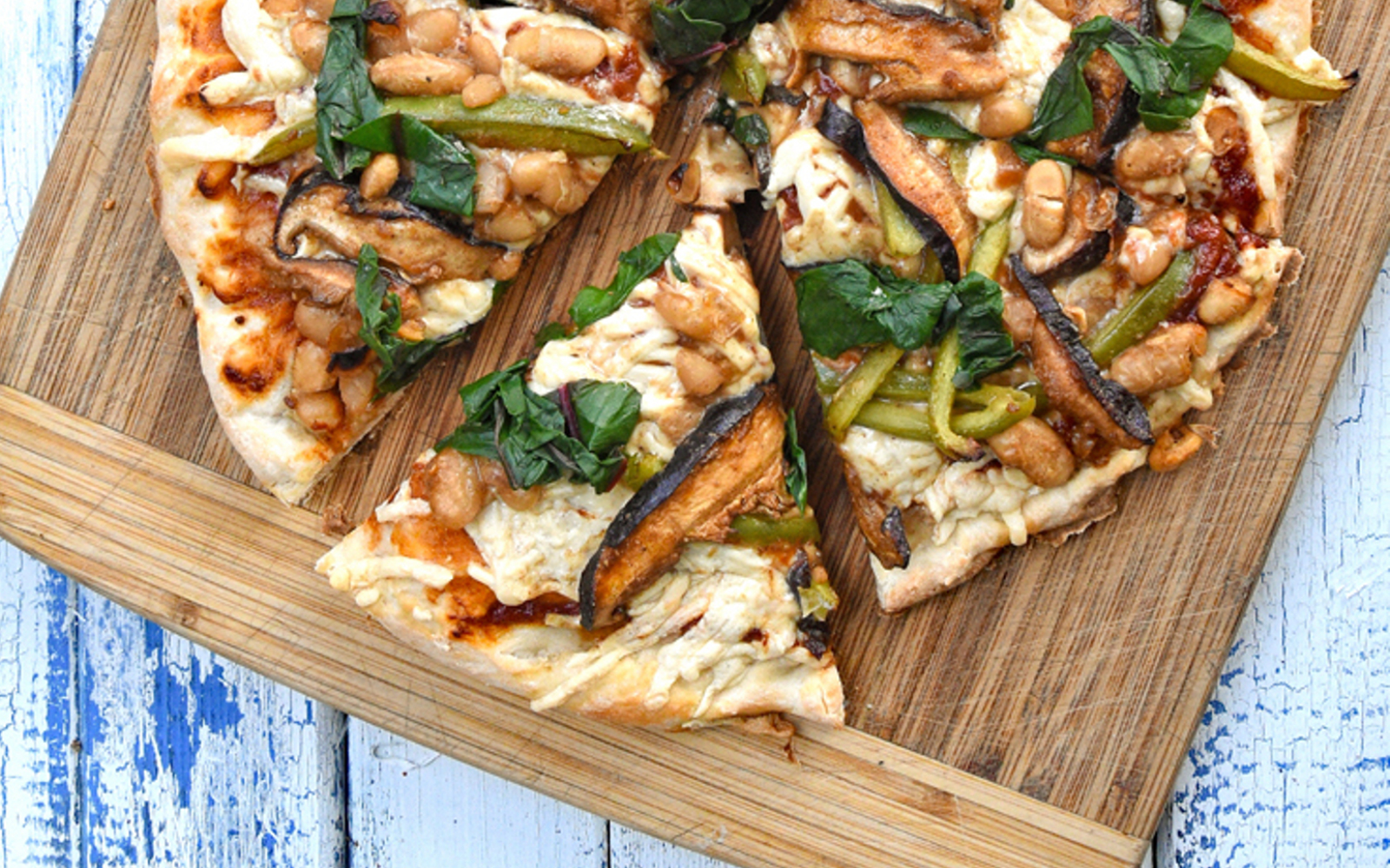 Char Siu Pizza: Pizza With Marinated Shiitake and Bell Peppers