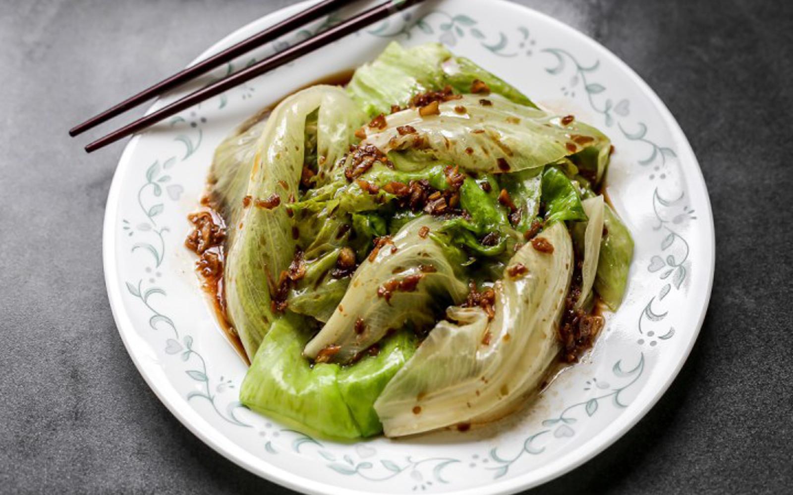 Chinese Garlic Oil Lettuce