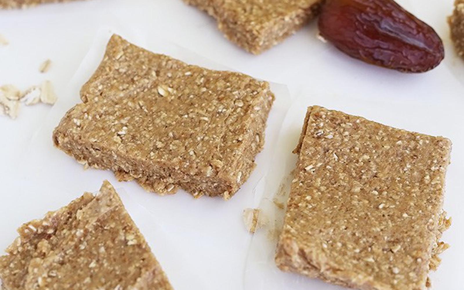 4 Ingredient No Bake Banana Bread Bars