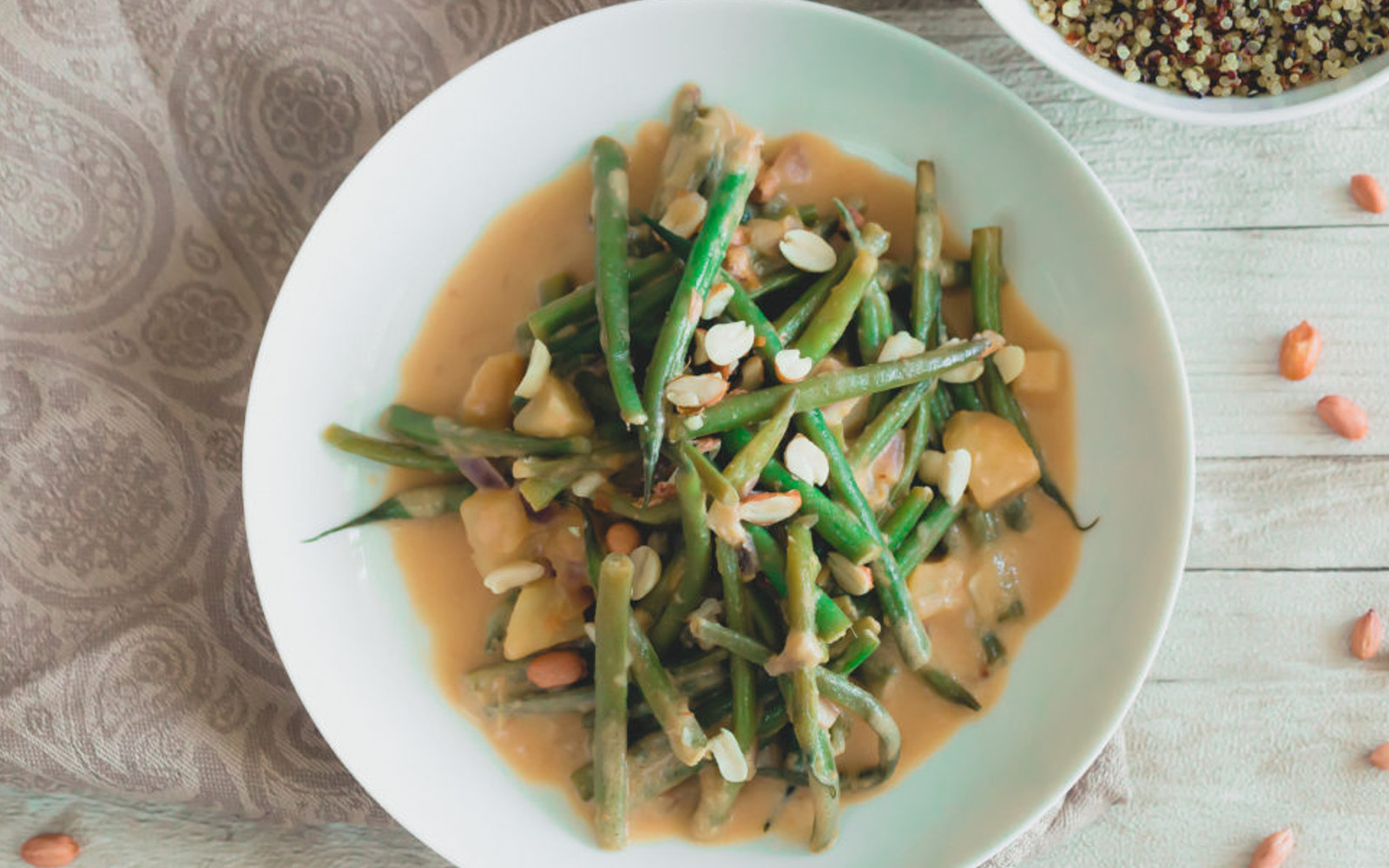 Green Beans and Potatoes in Creamy Peanut Sauce