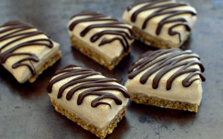 No-Bake Almond Butter Cream BarsNo-Bake Almond Butter Cream Bars