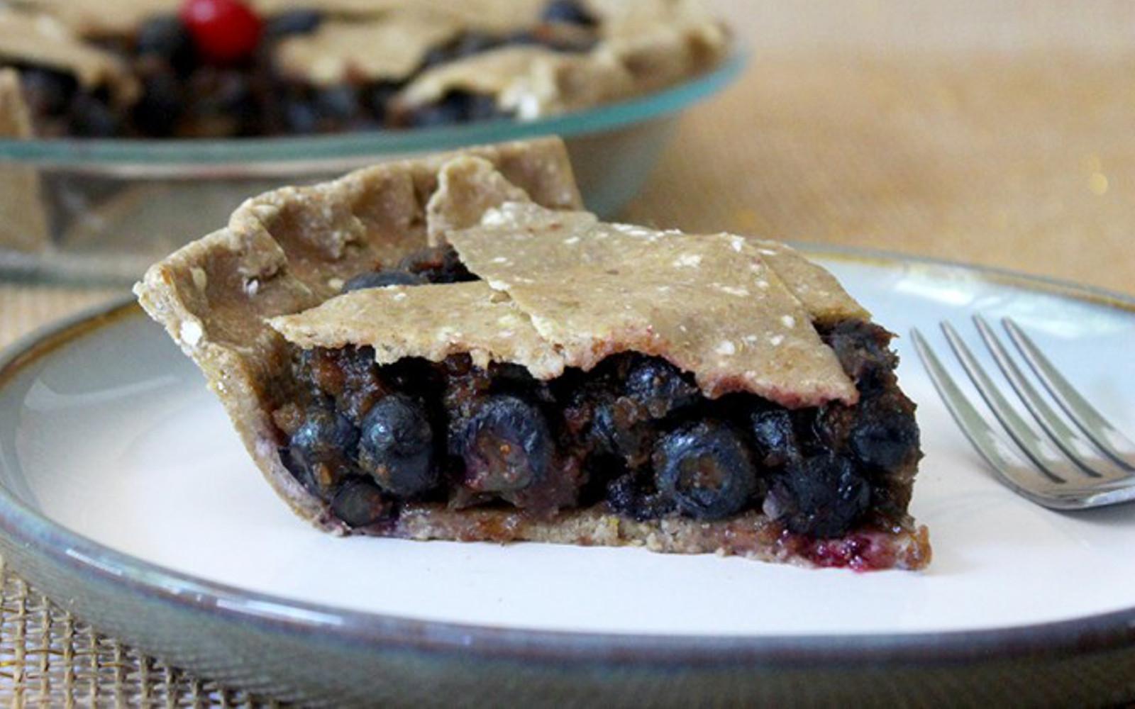 Vegan Raw Blueberry Pie
