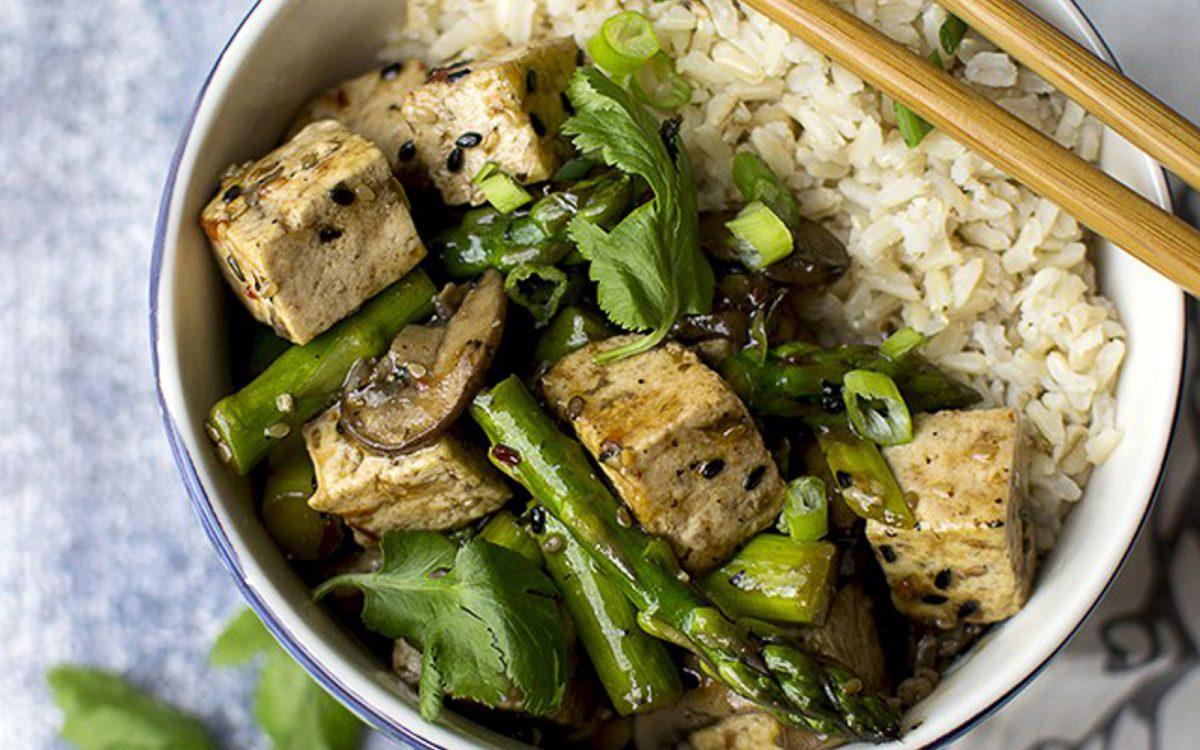 Healthy Sesame Mushroom, Tofu, and Asparagus Stir-Fry