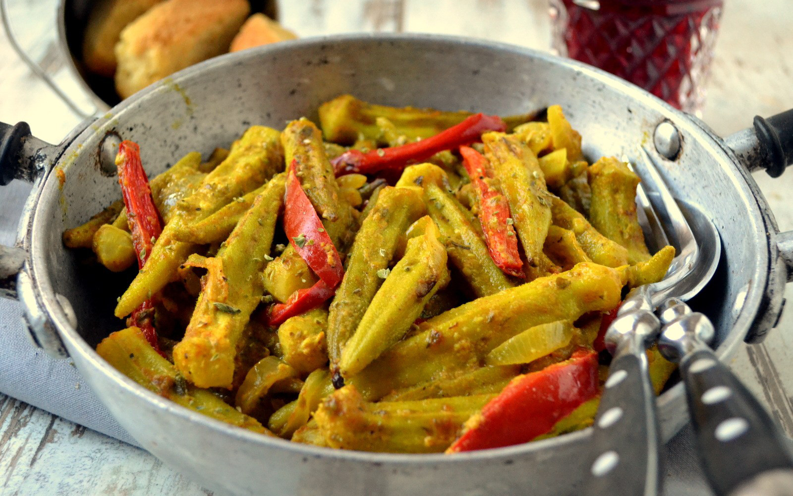 Spicy Greek Baked Okra