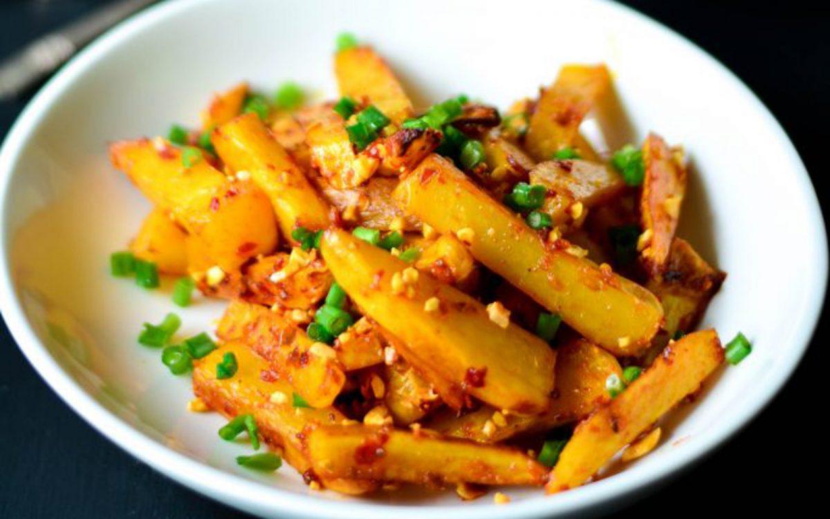 baked-indonesian-chili-garlic-fries-1200x750