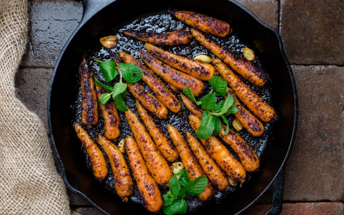 Skillet-Roasted Chili Carrots