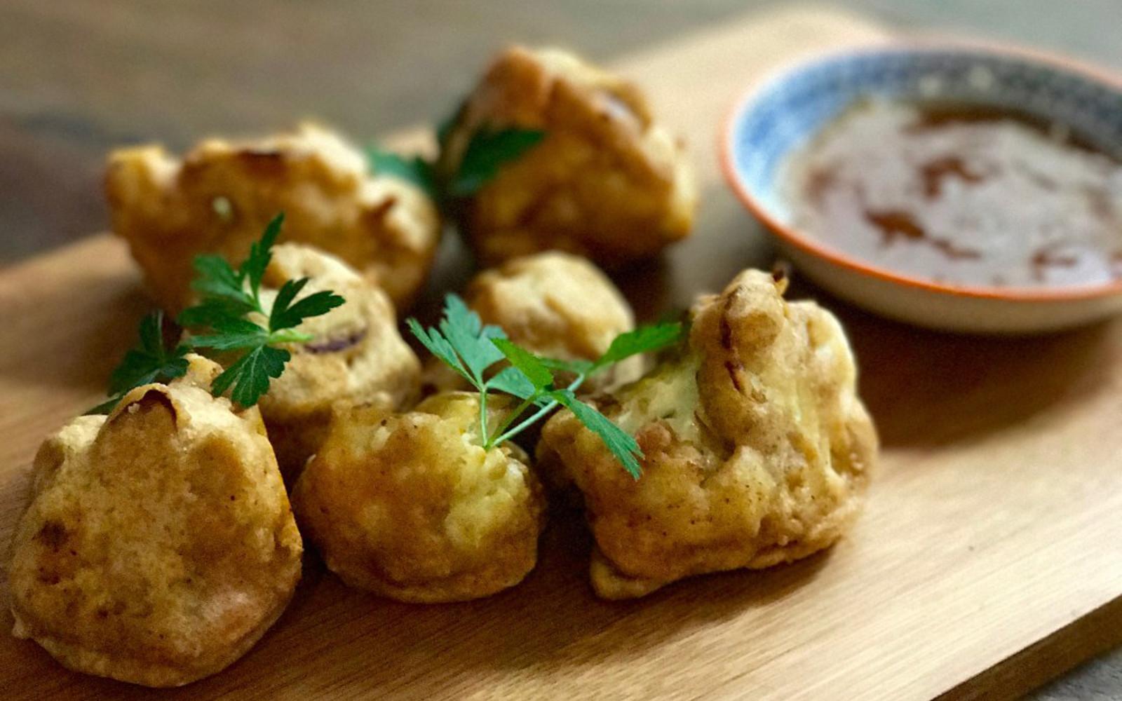 Cauliflower Pakoras