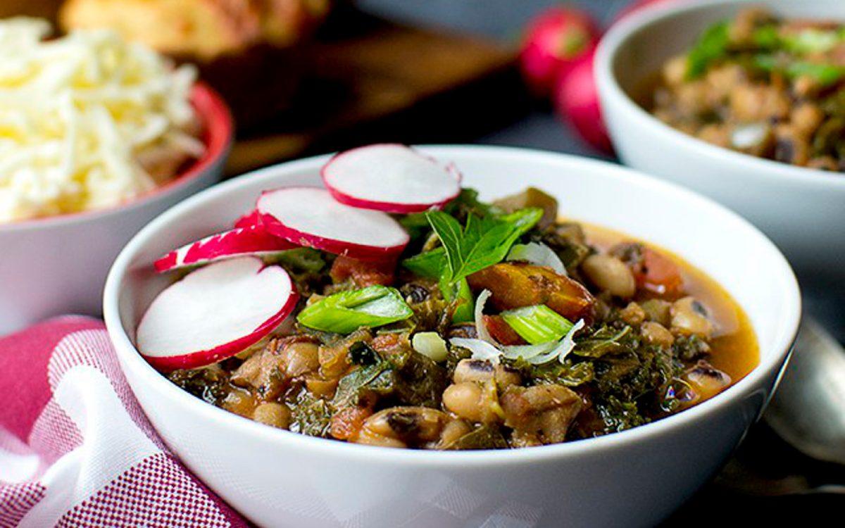 Vegan Black-Eyed Peas and Kale Chili