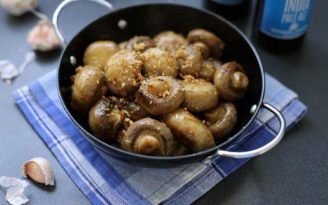 Champinones al Ajillo: Spanish Garlic Mushroom Tapas