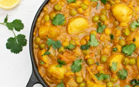 New Potato and Pea Curry With Yellow Split Peas