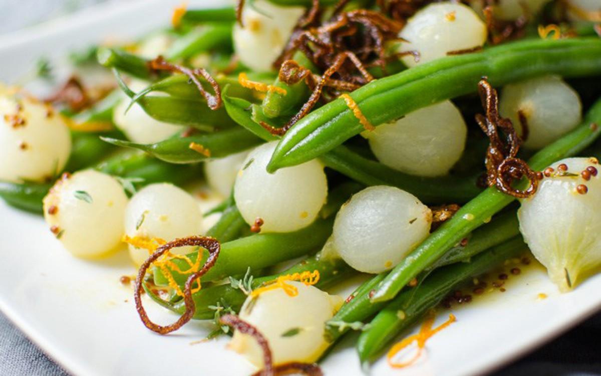 orange-dijon-green-beans-with-crispy-shallots-5-1200x750
