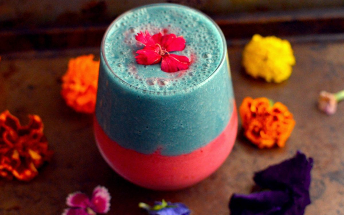raspberry-and-blue-spirulina-smoothie-1200x750