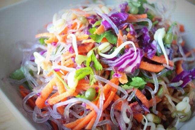 Sweet-Potato-red-cabbage-kelp-noodle-bowl