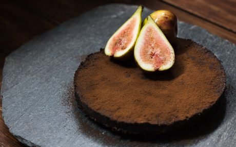 Carob and Fig Pie