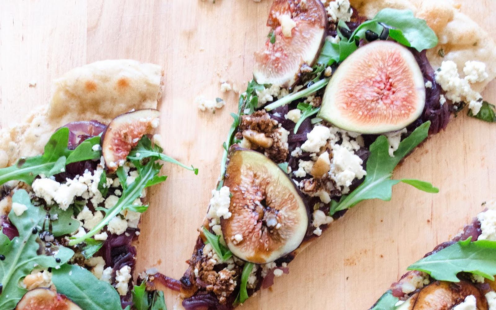 Fig, Ricotta, and Caramelized Onion Flatbread