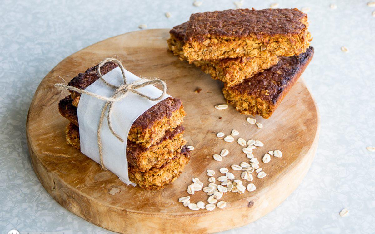 spelt and oat crunchie bars