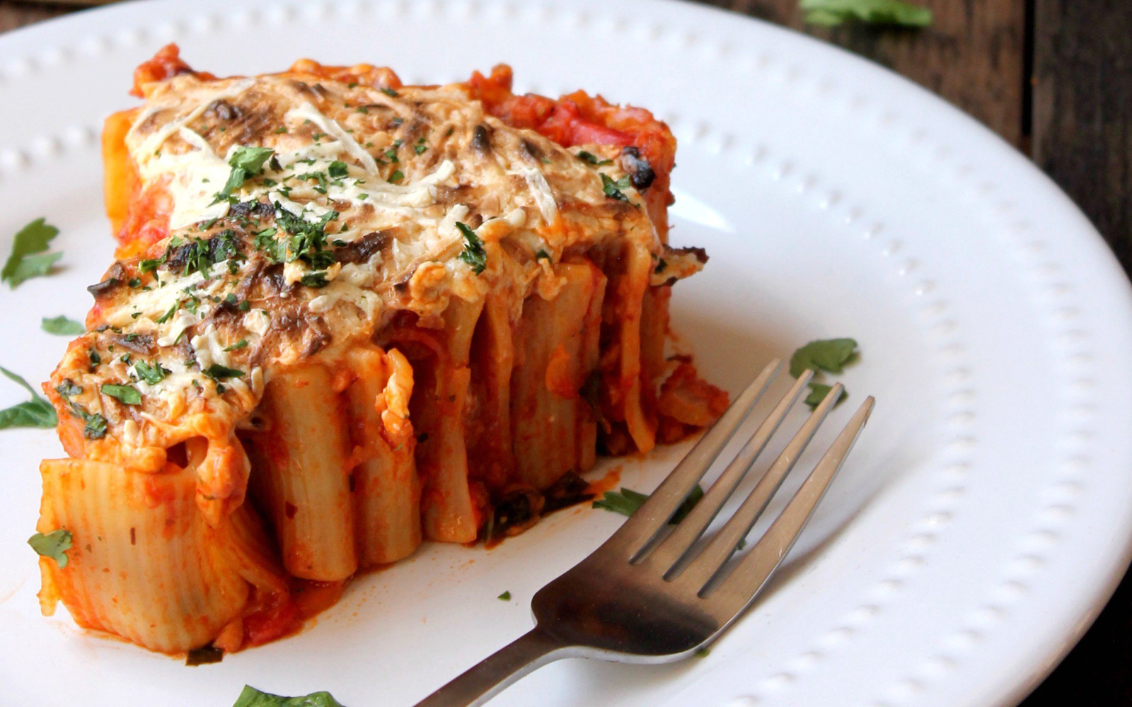 Rigatoni Pie With Spicy Pomodoro Sauce [Vegan]
