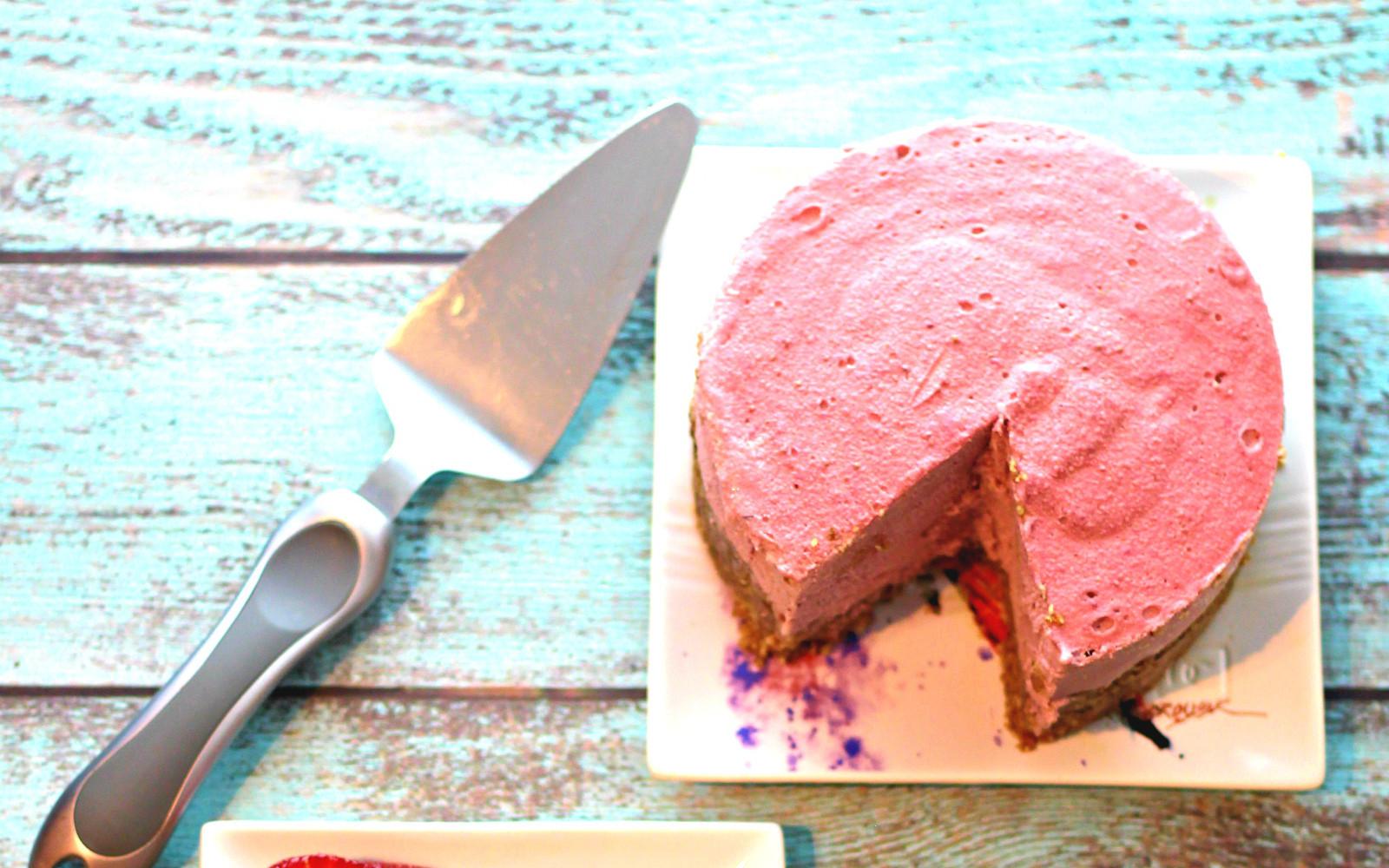 Raw Strawberry Rhubarb Cream Pie