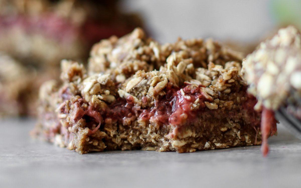 Nut-Free Strawberry Vanilla Crumble Bars