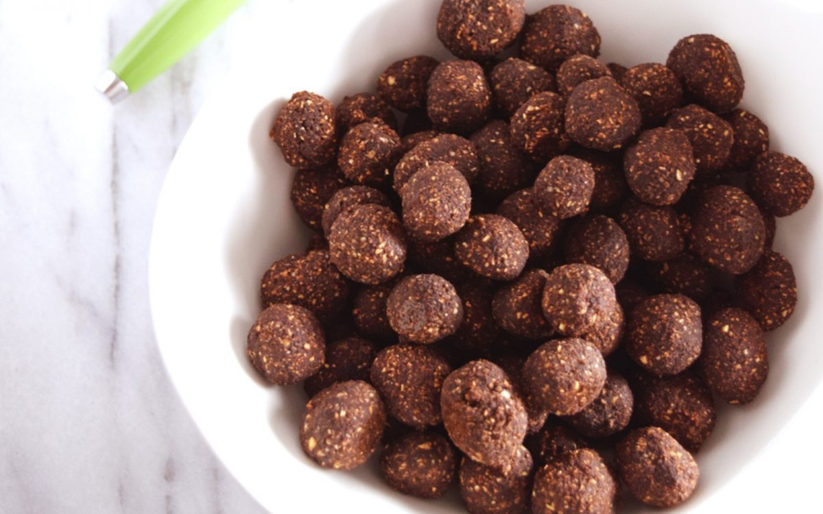 Vegan 3-Ingredient Chocolate Cereal