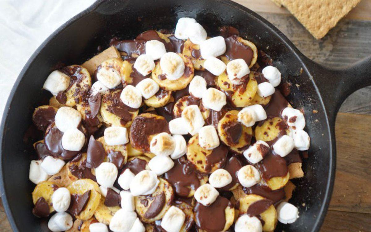 Caramelized Banana S'mores Skillet