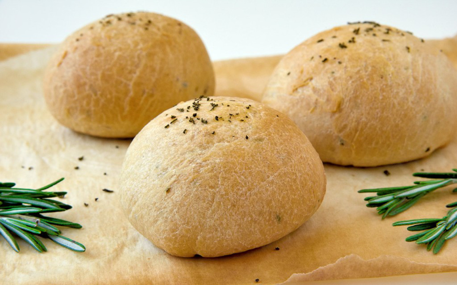 Vegan 4-Ingredient Rosemary Olive Oil Buns