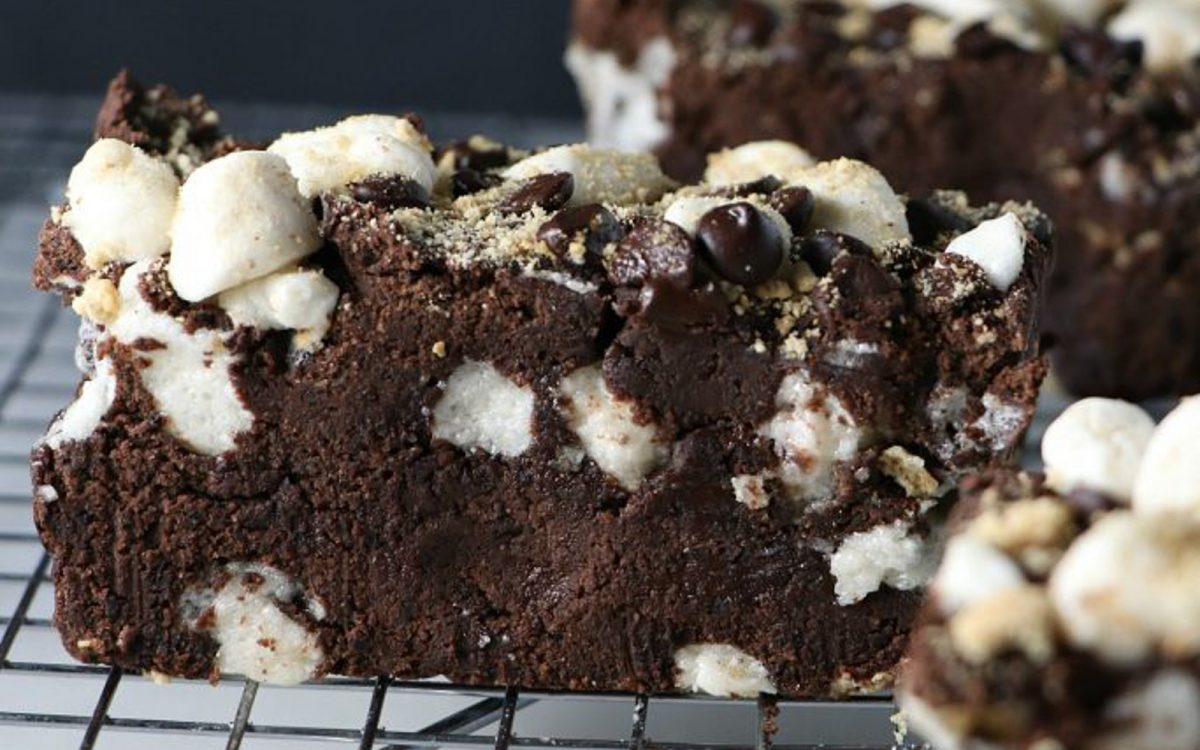 Vegan black bean s'more brownies