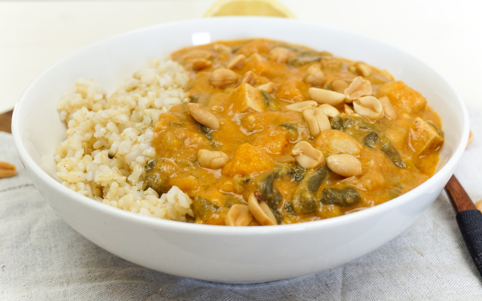 Vegan 30-Minute Spicy Peanut Soup