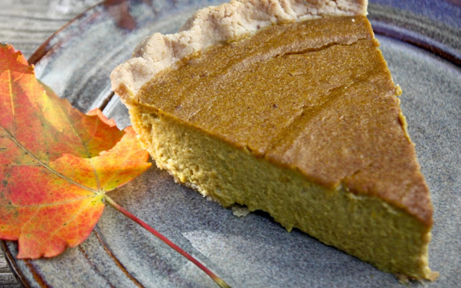Date-sweetened pumpkin pie
