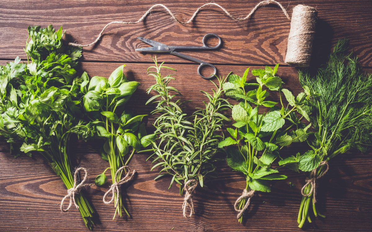 These 5 Autumn Herbs Will Make Your Seasonal Cooking Cozy and Delicious