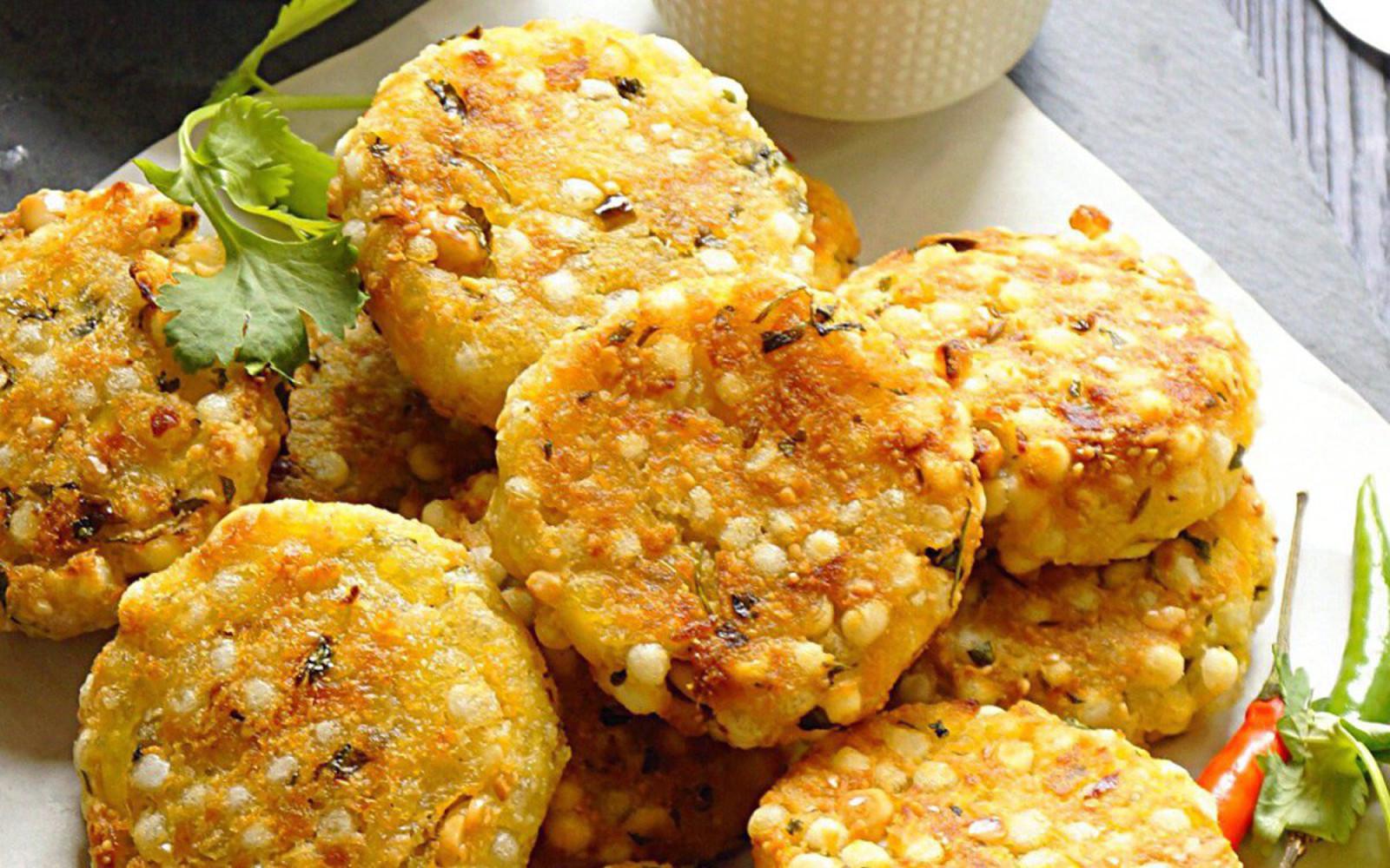 Baked Sabudana Vada: Indian Tapioca Fritters [Vegan, Grain-Free]