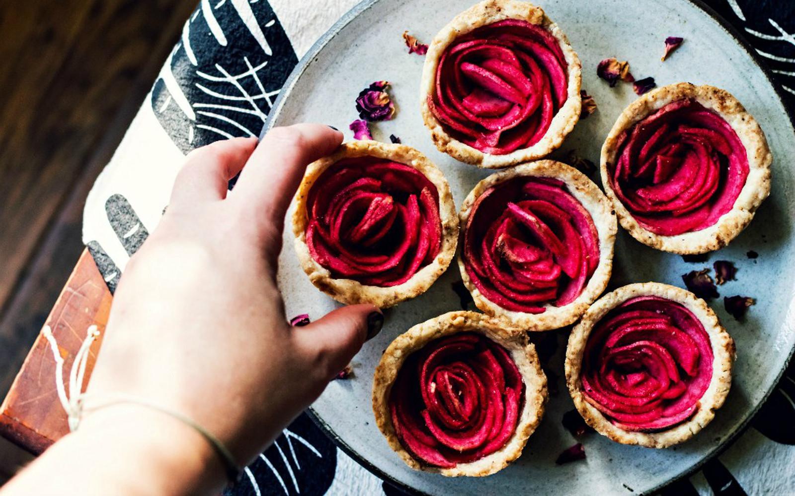Mini Rose Apple Pies