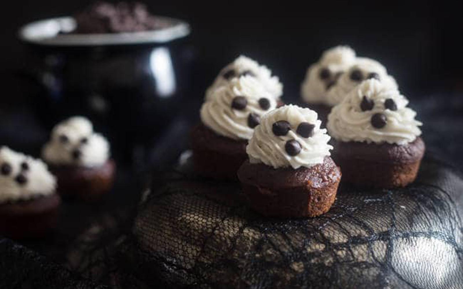 Spooky Ghost Chocolate Banana Cupcakes