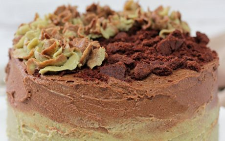 Vegan Mint Chocolate Cookie Cake with crumble topping