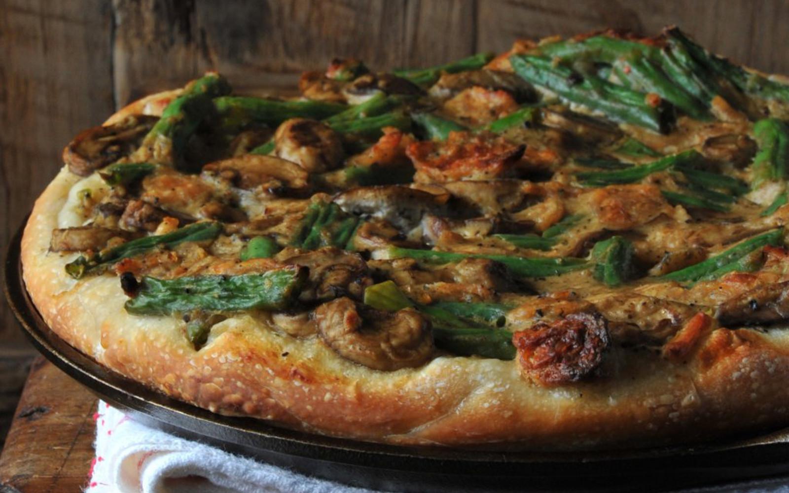Green Bean Casserole Pizza