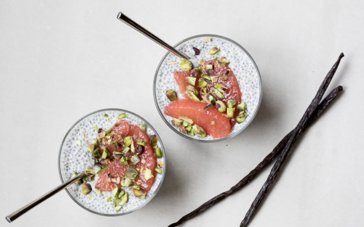 Vegan vanilla bean chia pudding