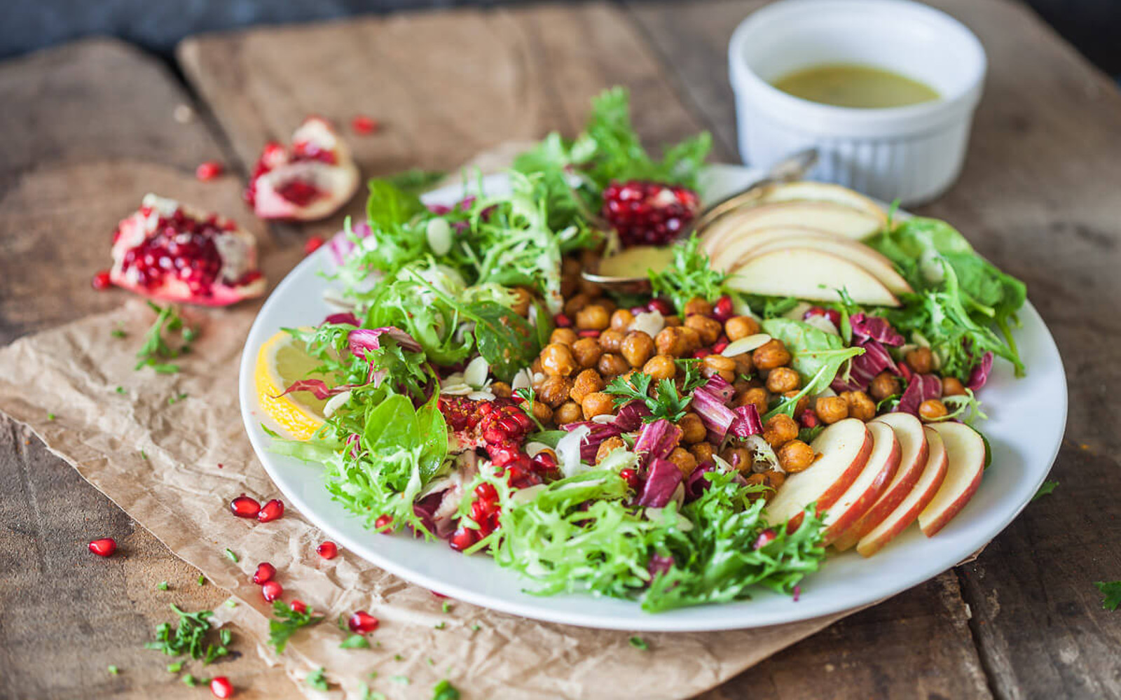 Vegan Grain-Free Endive Salad With Crispy Chickpeas