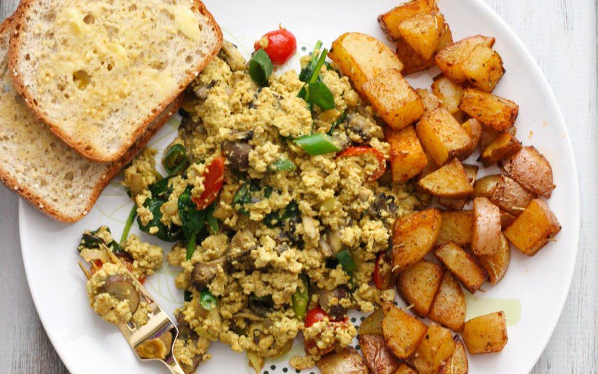 mushroom-tofu-scramble-with-roasted-paprika-potatoes