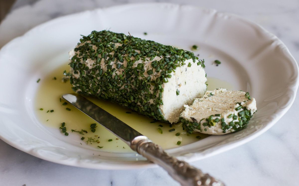 Vegan Naturally Fermented Cashew Herb Chevre