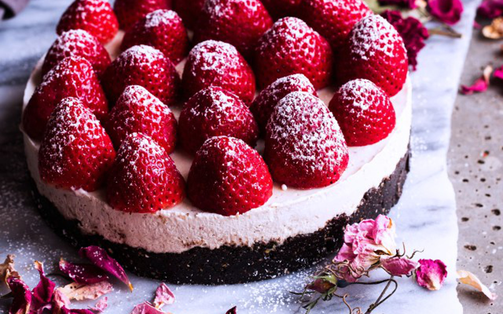 Vegan Gluten-Free Strawberries and Cream Cheesecake Topping with Fresh Strawberries