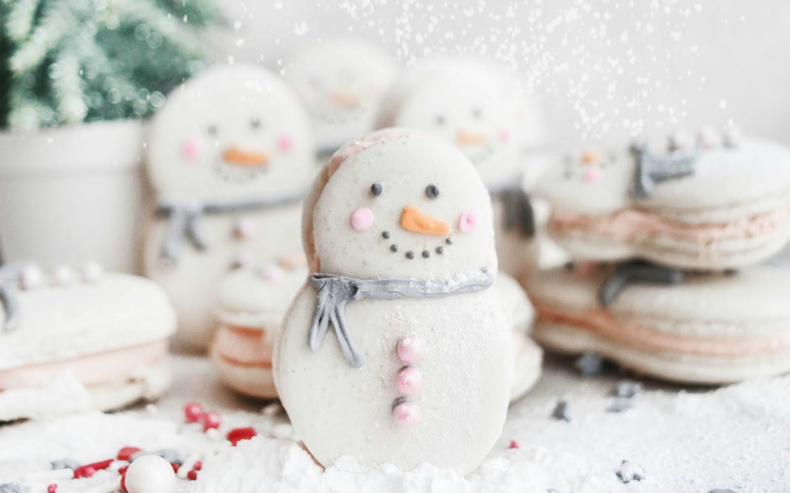 Vegan Snowman Macarons upright