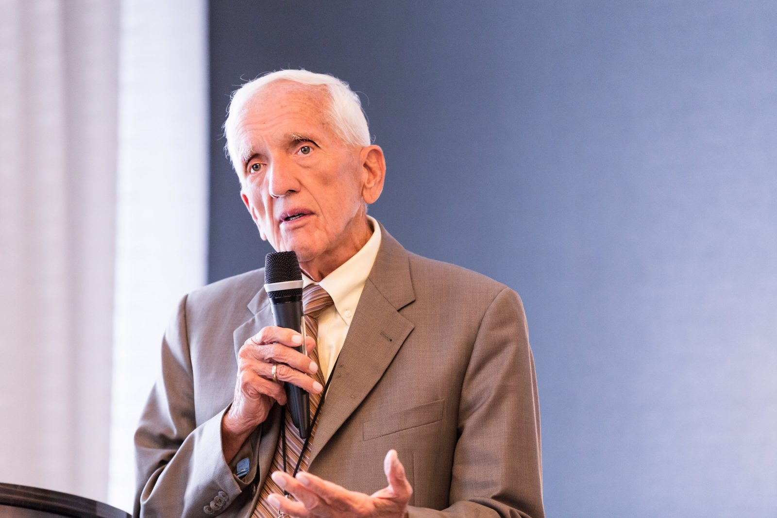 Dr. T. Colin Campbell Declares 'War on Cancer' Is Failing As Professionals Ignore Connection to Animal Protein