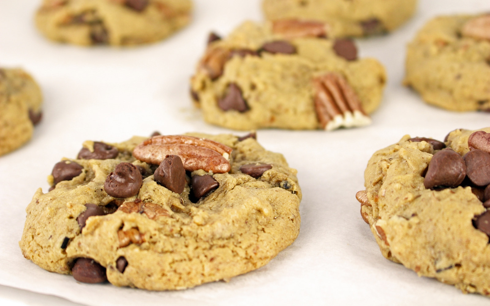 Butter Pecan Cookies with chocolate chips