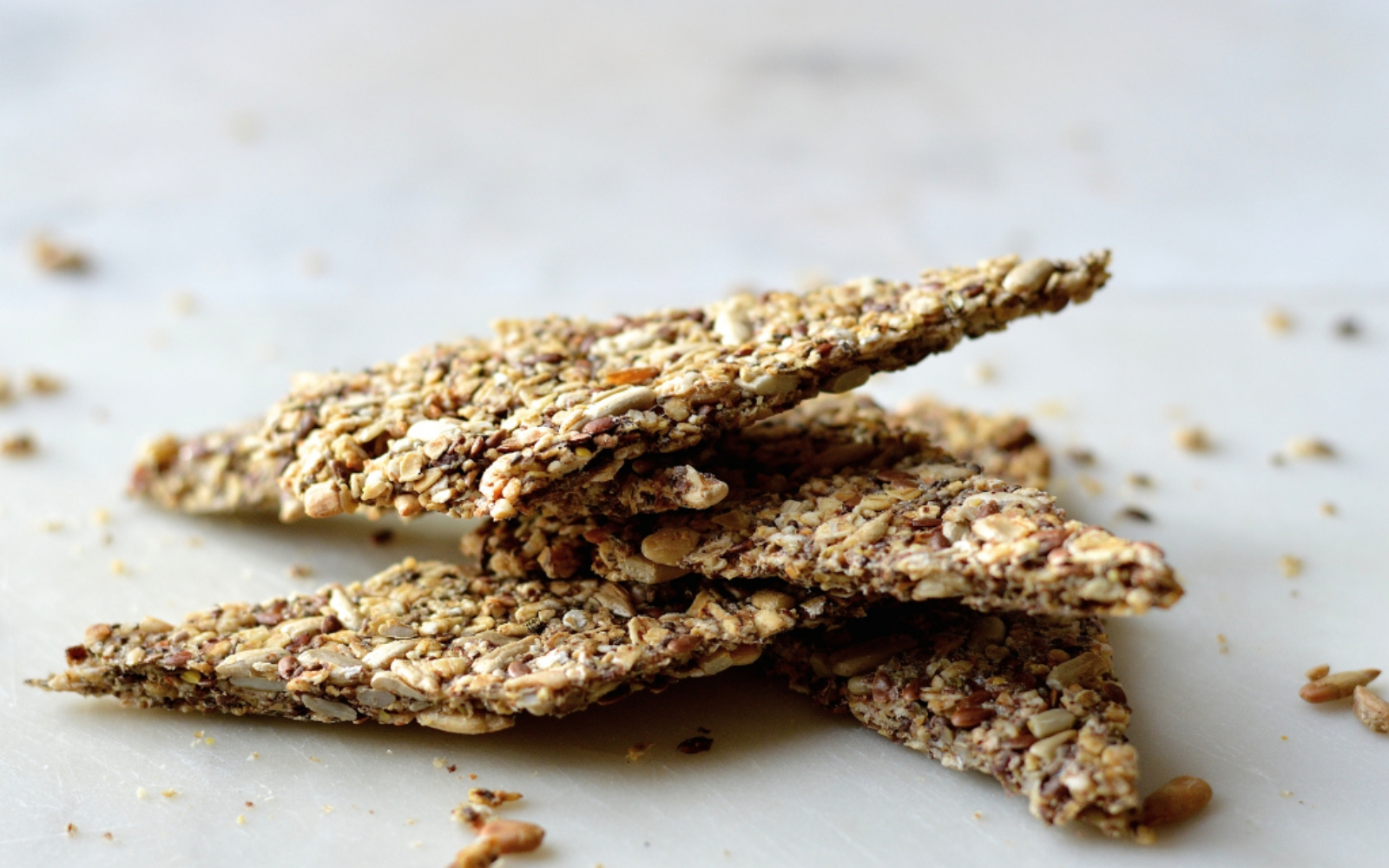 vegan Healthy Spelt, Oats, Chia and Flax Seed Crisps