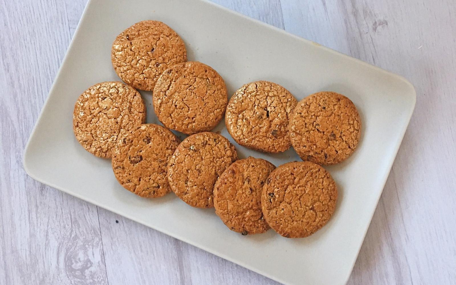 Vegan Healthy Ginger Raisin Biscuits