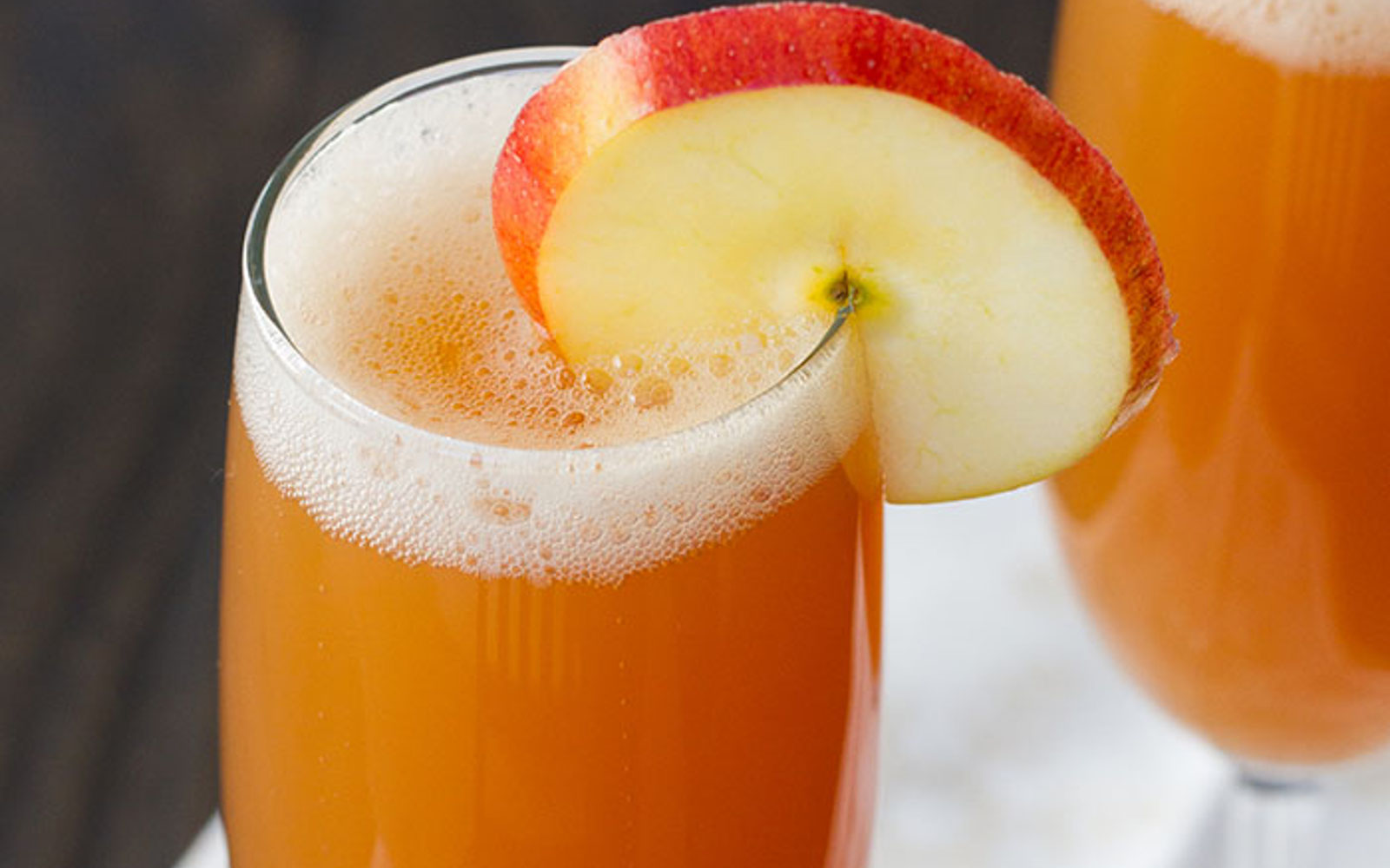 Vegan Honeycrisp Apple Spritzer with apple slice