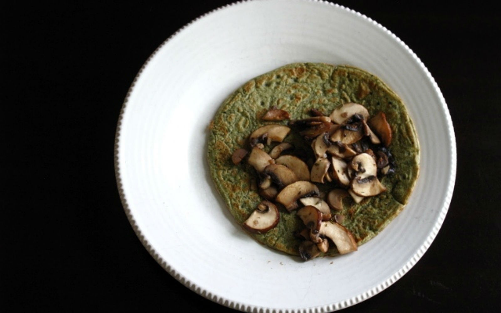 Spinach Crepes with Sautéed Mushrooms [Gluten-Free]